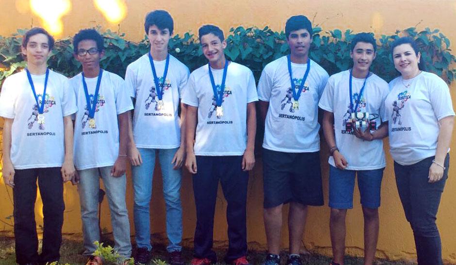 apoio-aos-estudantes-na-olimpiada-de-robotica