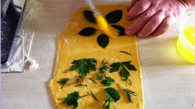 Imagem ilustrativa da receita de massa de pasta com ervas