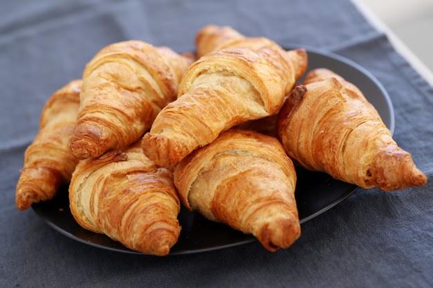 Como fazer croissant fácil e rápido