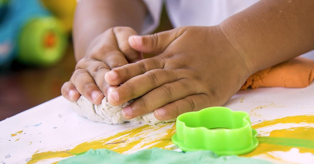 Ilustração da Receita de Como fazer massinha de modelar — Especial de Dia das Crianças